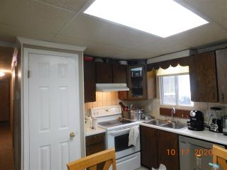 """Photo 6: 60 8220 KING GEORGE Boulevard in Surrey: Bear Creek Green Timbers Manufactured Home for sale in """"Crestway Bays"""" : MLS®# R2509412"""