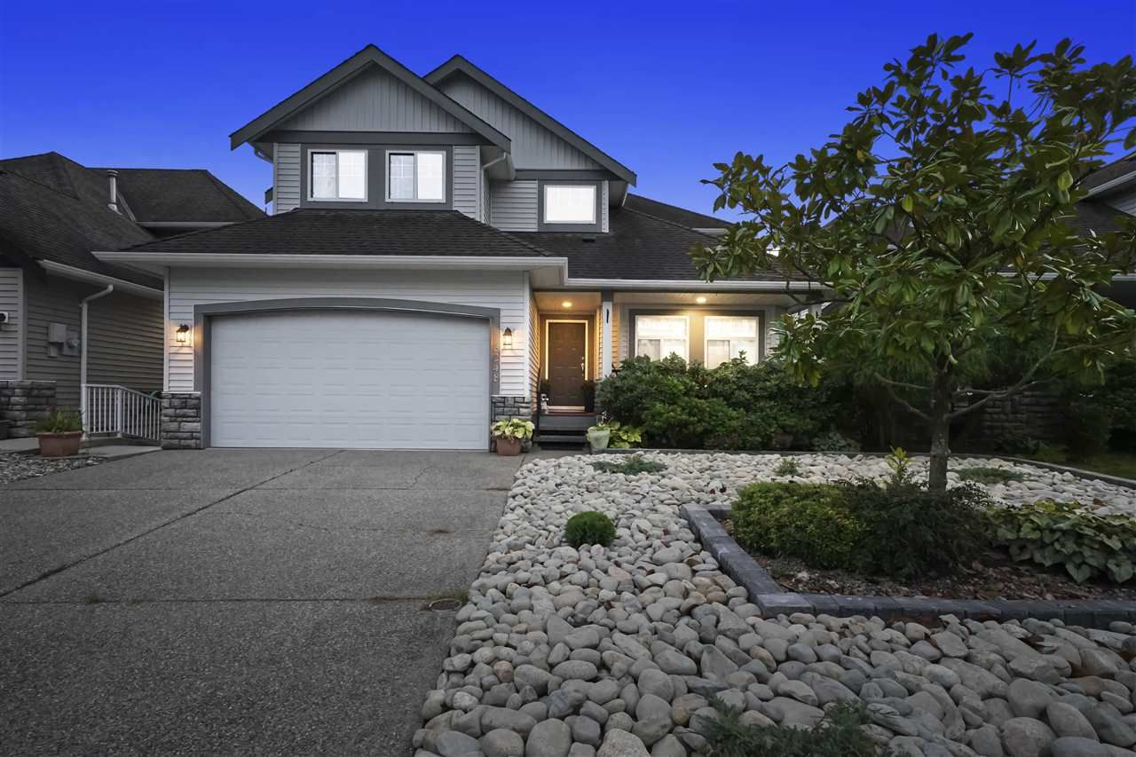 Main Photo: 3248 OGILVIE CRESCENT in Port Coquitlam: Woodland Acres PQ House for sale : MLS®# R2510367