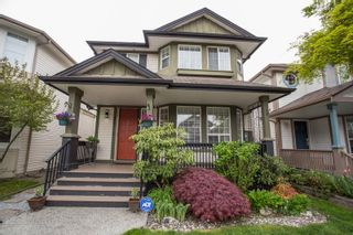 Photo 1: 8663 206B Street in Langley: Walnut Grove House for sale : MLS®# R2574937