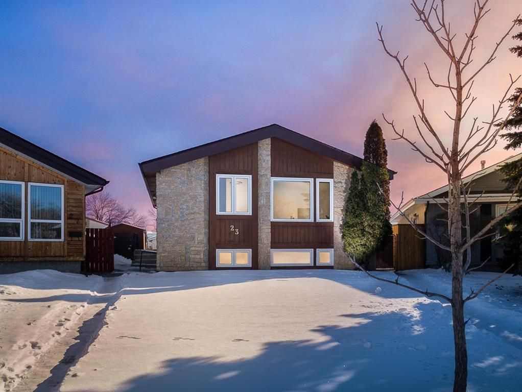 Main Photo: 23 Mitchell Place in Winnipeg: Tyndall Park Residential for sale (4J)  : MLS®# 202103686