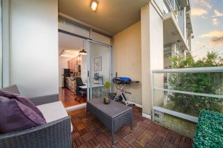 """Photo 3: 404 2055 YUKON Street in Vancouver: False Creek Condo for sale in """"MONTREUX"""" (Vancouver West)  : MLS®# R2537726"""
