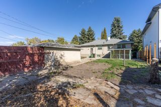 Photo 3: 9340 83 Street in Edmonton: Zone 18 House for sale : MLS®# E4263990