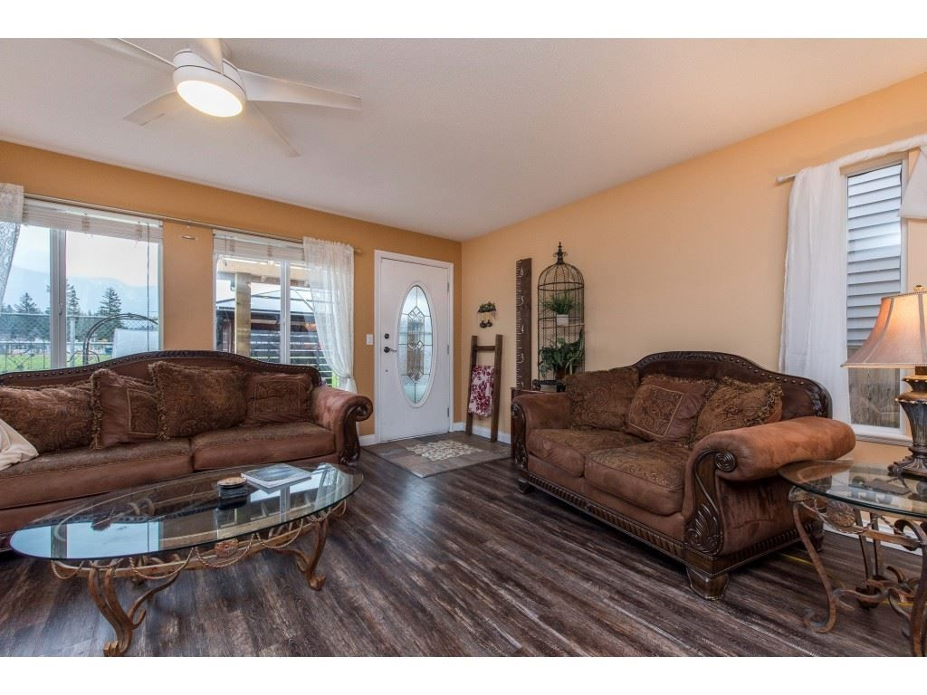 "Photo 16: Photos: 9 45306 BALMORAL Avenue in Sardis: Sardis West Vedder Rd House for sale in ""BALMORAL PARK ESTATES"" : MLS®# R2518450"