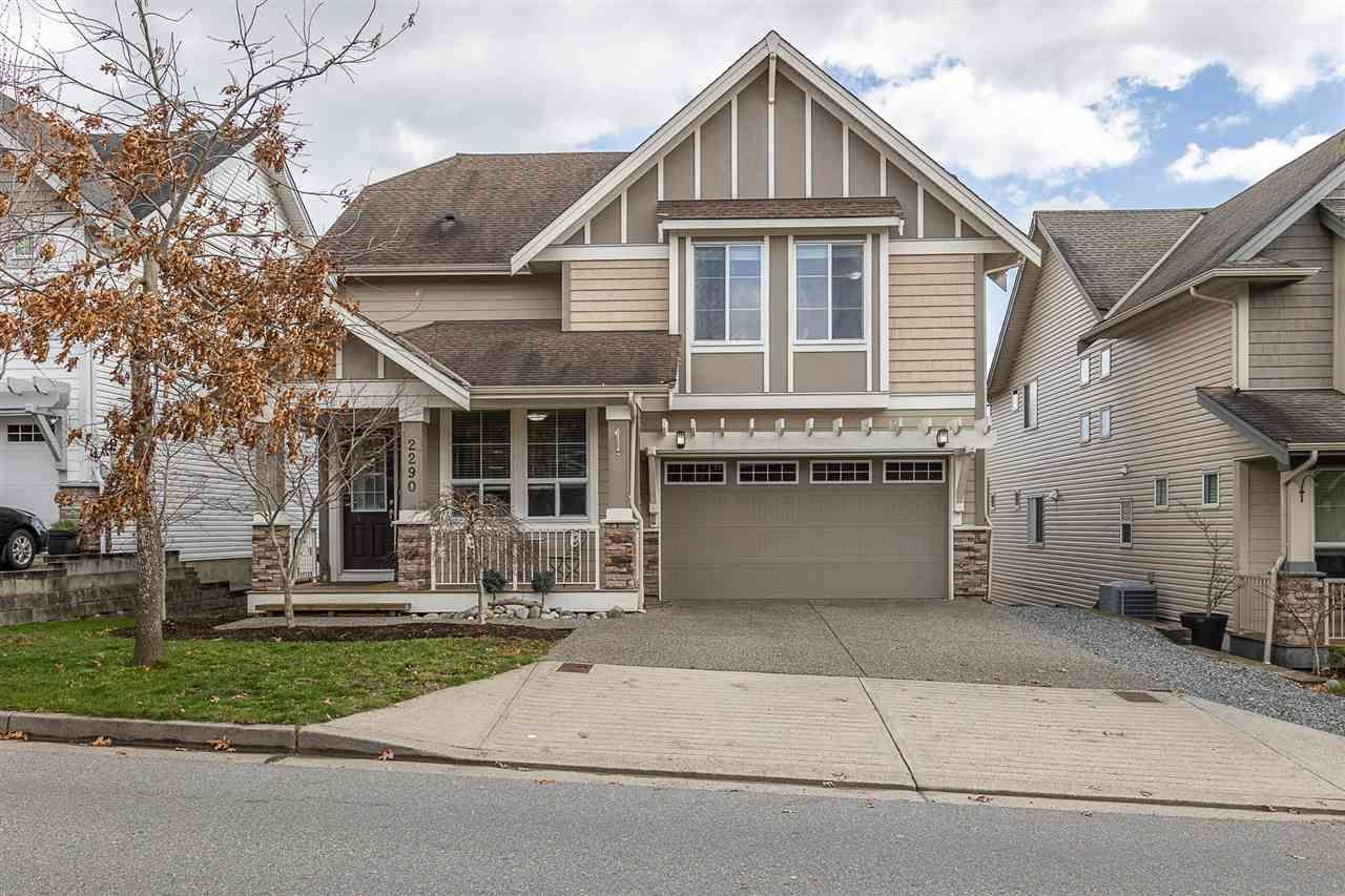 """Main Photo: 2290 CHARDONNAY Lane in Abbotsford: Aberdeen House for sale in """"Pepin Brook"""" : MLS®# R2555950"""