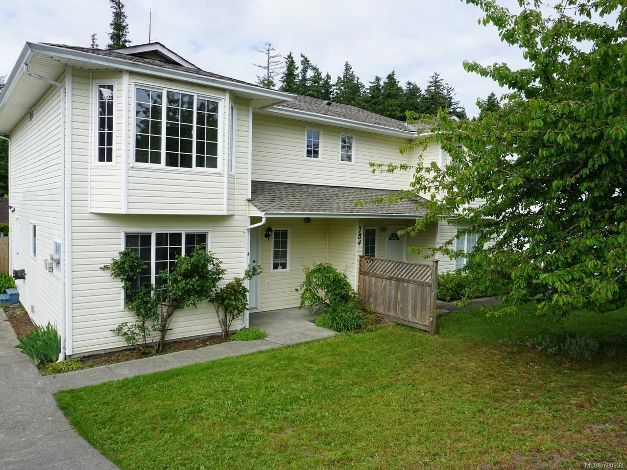 Main Photo: A 784 BEAVER LODGE ROAD in CAMPBELL RIVER: CR Campbell River Central Half Duplex for sale (Campbell River)  : MLS®# 760938