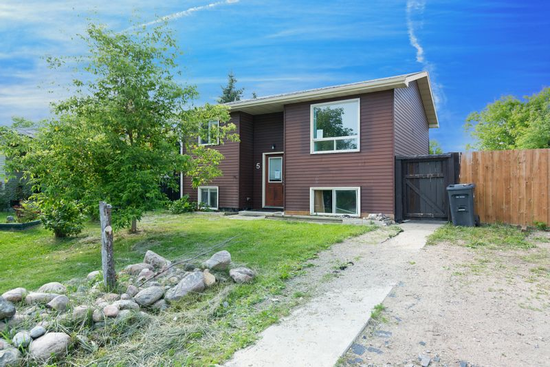 FEATURED LISTING: 5 Forest Place Southeast Cold Lake