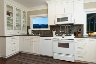 Photo 9: 4183 HIGHLAND BOULEVARD in North Vancouver: Forest Hills NV House for sale : MLS®# R2064082
