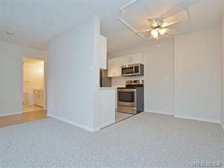 Photo 7: 212 2100 Granite St in VICTORIA: OB South Oak Bay Condo for sale (Oak Bay)  : MLS®# 752114