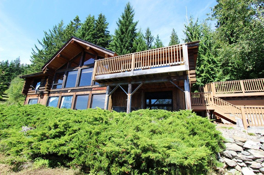 Photo 9: Photos: 8079 Squilax Anglemont Highway: St. Ives House for sale (North Shuswap)  : MLS®# 10179329