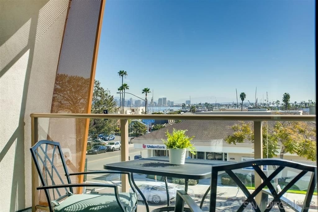 Photo 21: Photos: Condo for sale : 3 bedrooms : 3025 Byron St in San Diego