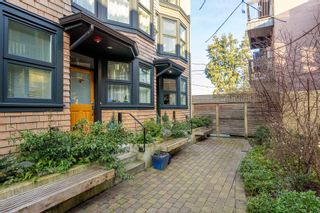 """Photo 1: 1777 E 20TH Avenue in Vancouver: Victoria VE Townhouse for sale in """"CEDAR COTTAGE Townhomes-Gow Bloc"""" (Vancouver East)  : MLS®# R2333733"""