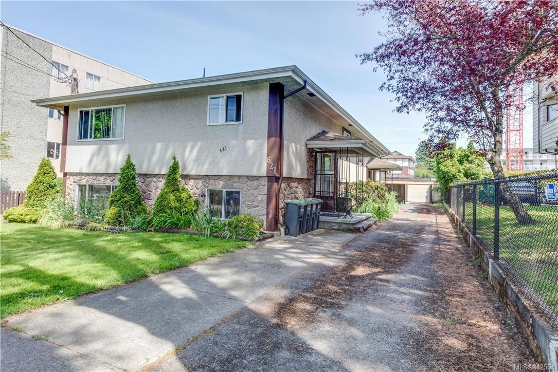 Main Photo: 621 Constance Ave in Esquimalt: Es Esquimalt Quadruplex for sale : MLS®# 842594