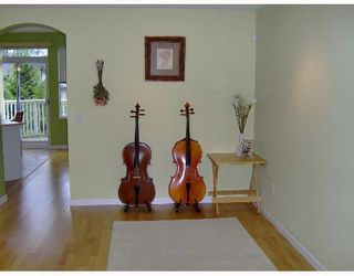 """Photo 4: 68 7500 CUMBERLAND Street in Burnaby: The Crest Townhouse for sale in """"WILDFLOWER"""" (Burnaby East)  : MLS®# V651853"""
