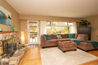 Photo 3: 2125 FLORALYNN CRESCENT in North Vancouver: Westlynn Home for sale ()  : MLS®# R2360000