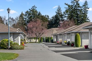 Photo 2: 84 2600 Ferguson Rd in : CS Turgoose Row/Townhouse for sale (Central Saanich)  : MLS®# 869706