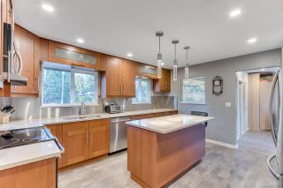Photo 10: 1324 FOSTER Avenue in Coquitlam: Central Coquitlam House for sale : MLS®# R2568645