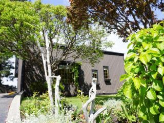 Photo 2: 110 WADDINGTON DRIVE in Kamloops: Sahali Residential Detached for sale : MLS®# 110059