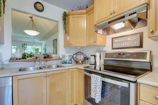 Photo 10: 26 300 Six Mile Rd in : VR Six Mile Row/Townhouse for sale (View Royal)  : MLS®# 879692
