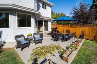 Photo 2: 2743 Whitehead Pl in : Co Colwood Corners Half Duplex for sale (Colwood)  : MLS®# 885614