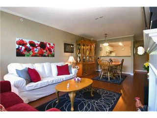 """Photo 2: 211 12148 224TH Street in Maple Ridge: East Central Condo for sale in """"THE PANORAMA"""" : MLS®# V897742"""