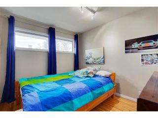 Photo 14: 4032 GROVE HILL Road SW in Calgary: Glendale House for sale : MLS®# C4088063