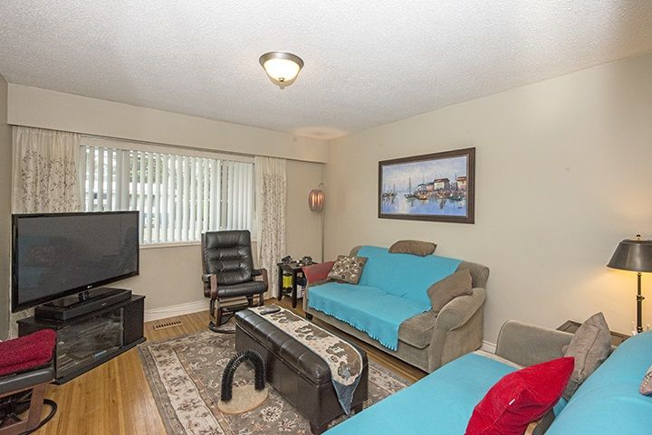Photo 9: Photos: 686 LINTON Street in Coquitlam: Central Coquitlam House for sale : MLS®# R2047340