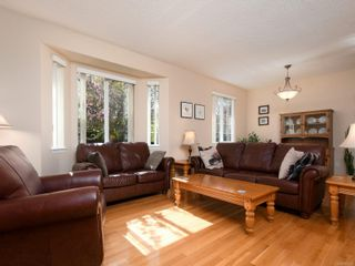 Photo 2: 2272 Pond Pl in Sooke: Sk Broomhill House for sale : MLS®# 873485