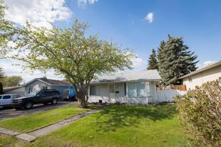 Main Photo: 6420 33 Avenue NW in Calgary: Bowness Detached for sale : MLS®# A1126391