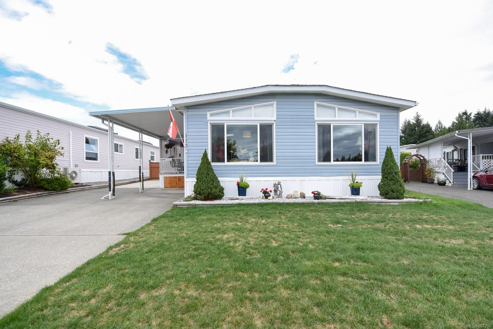 Main Photo: 112 4714 Muir Rd in : CV Courtenay City Manufactured Home for sale (Comox Valley)  : MLS®# 867355