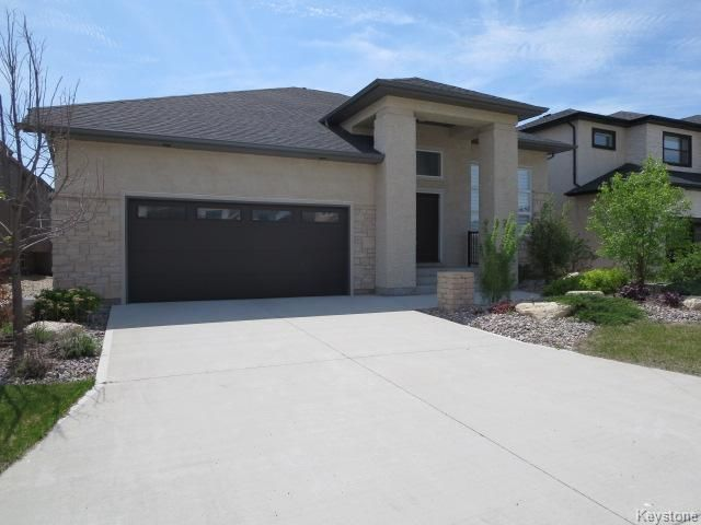 Main Photo: 79 Bridlewood Road in Winnipeg: Single Family Detached for sale (Bridgewater Forest)  : MLS®# 1424422