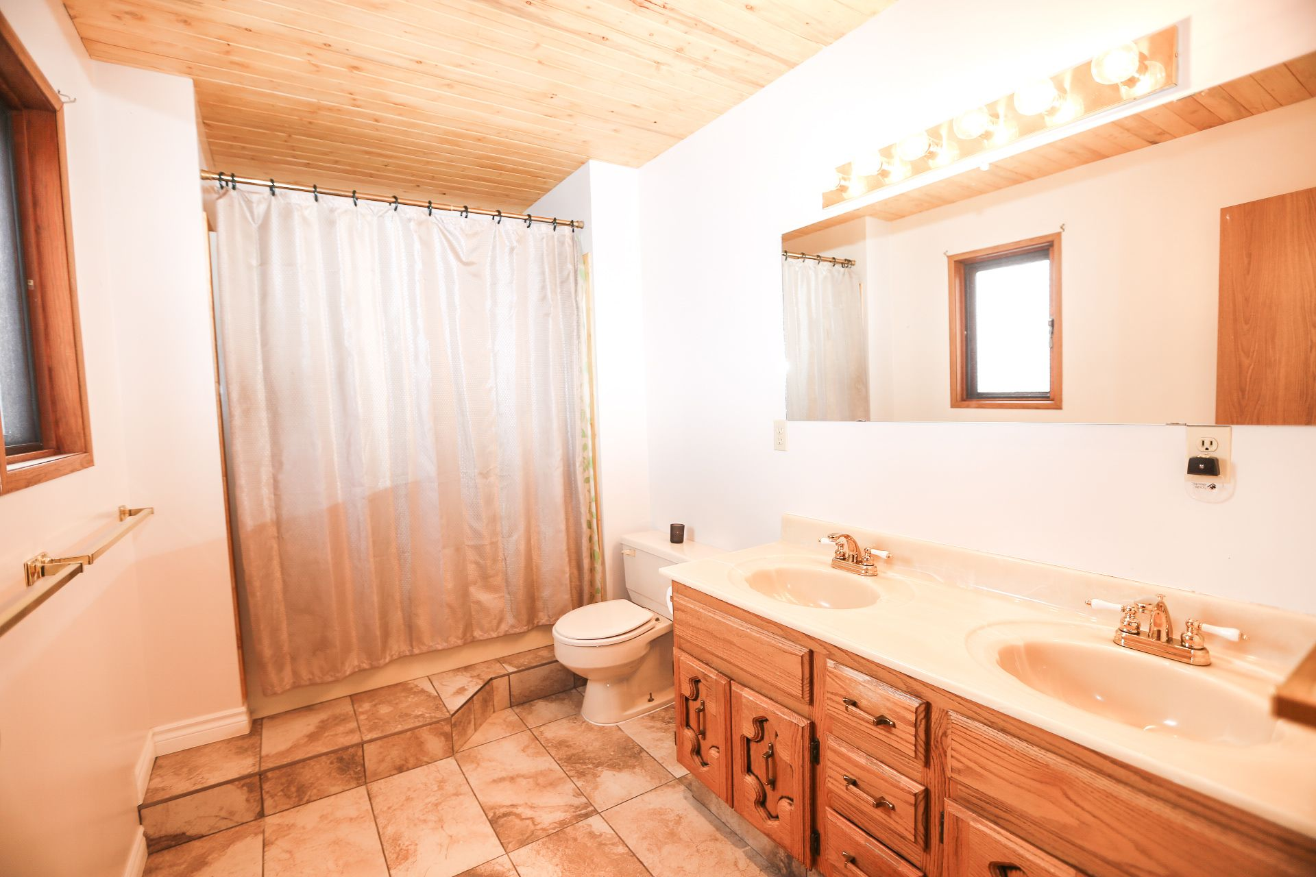 Photo 15: Photos: 434 ROBIN DRIVE: BARRIERE House for sale (NORTH EAST)  : MLS®# 160553