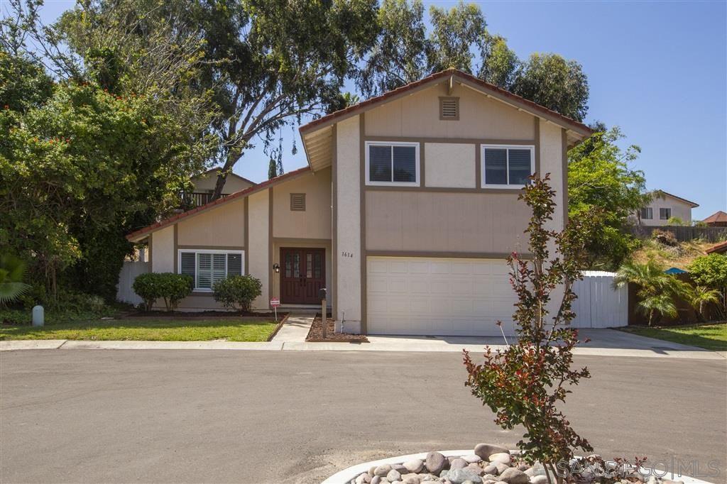 Main Photo: CHULA VISTA House for sale : 5 bedrooms : 1614 Dana Point Ct