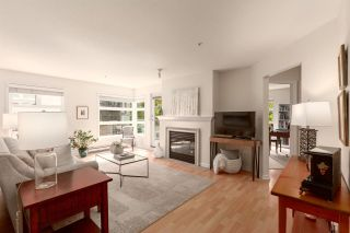 """Photo 3: 202 2181 W 12TH Avenue in Vancouver: Kitsilano Condo for sale in """"The Carlings"""" (Vancouver West)  : MLS®# R2579636"""