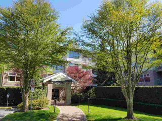 """Photo 1: 406 15210 GUILDFORD Drive in Surrey: Guildford Condo for sale in """"The Boulevard Club"""" (North Surrey)  : MLS®# R2259628"""