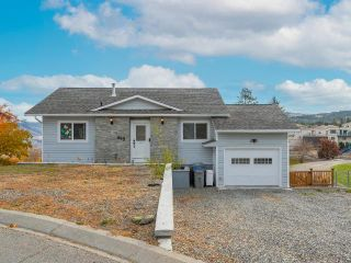 Photo 2: 405 MONARCH Court in Kamloops: Sahali House for sale : MLS®# 164542