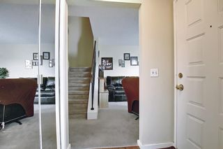 Photo 4: 1 75 TEMPLEMONT Way NE in Calgary: Temple Row/Townhouse for sale : MLS®# A1138832