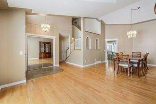 Photo 5: 312 Hawkstone Close NW in Calgary: Hawkwood Detached for sale : MLS®# A1084235