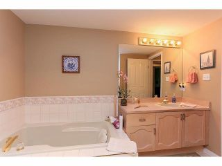 """Photo 16: 33 9168 FLEETWOOD Way in Surrey: Fleetwood Tynehead Townhouse for sale in """"The Fountains"""" : MLS®# F1414728"""