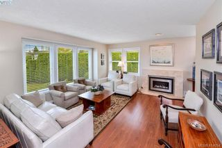 Photo 4: 1179 Sunnybank Crt in VICTORIA: SE Sunnymead House for sale (Saanich East)  : MLS®# 821175