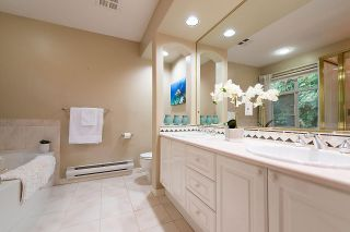 Photo 12: 1188 STRATHAVEN Drive in North Vancouver: Northlands Townhouse for sale : MLS®# R2215191