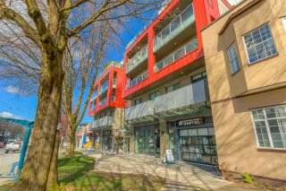 "Photo 3: 304 379 E BROADWAY Street in Vancouver: Mount Pleasant VE Condo for sale in ""Synchro"" (Vancouver East)  : MLS®# R2565005"