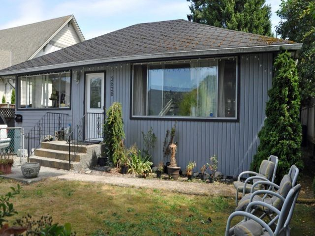"""Main Photo: 2826 MCBRIDE Avenue in Surrey: Crescent Bch Ocean Pk. House for sale in """"Crescent Beach"""" (South Surrey White Rock)  : MLS®# F1404362"""