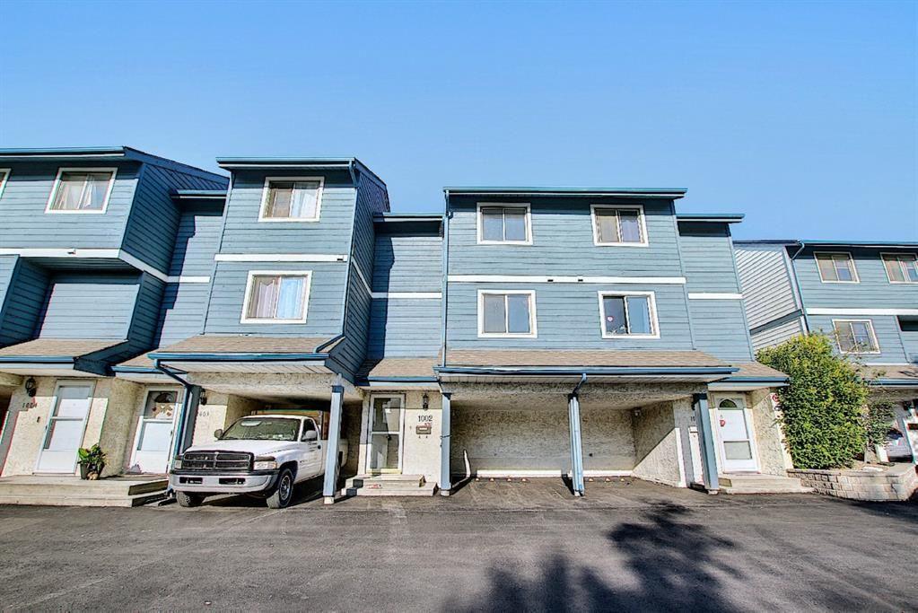 Main Photo: 1002 919 38 Street NE in Calgary: Marlborough Row/Townhouse for sale : MLS®# A1140399