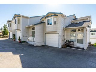 """Photo 1: 8 32752 4TH Avenue in Mission: Mission BC Townhouse for sale in """"Woodrose Estates"""" : MLS®# R2349018"""