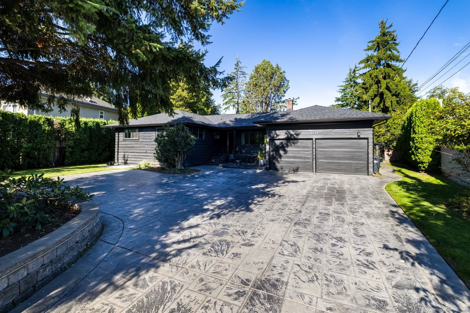 Main Photo: 8211 BOWCOCK Road in Richmond: Garden City House for sale : MLS®# R2620108