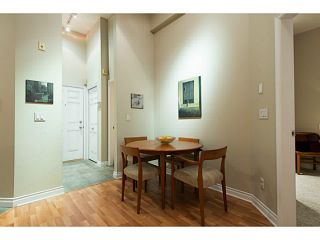 """Photo 11: 404 131 W 3RD Street in North Vancouver: Lower Lonsdale Condo for sale in """"Seascape Landing"""" : MLS®# V1044034"""