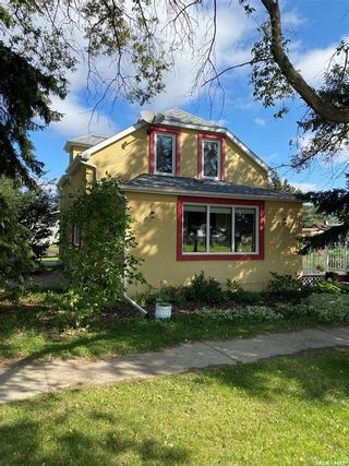 Photo 2: 802 Railway Avenue in Cupar: Residential for sale : MLS®# SK869633