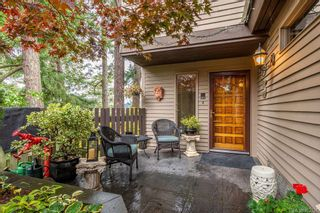 Photo 2: 26 2353 Harbour Rd in : Si Sidney North-East Row/Townhouse for sale (Sidney)  : MLS®# 872537