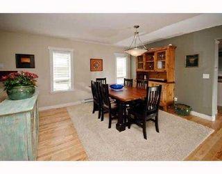Photo 3: 1032 PIA Road in Squamish: Garibaldi Highlands House for sale : MLS®# V733524
