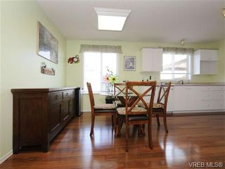 Photo 11: 82 Wolf Lane in VICTORIA: VR Glentana Manufactured Home for sale (View Royal)  : MLS®# 700173
